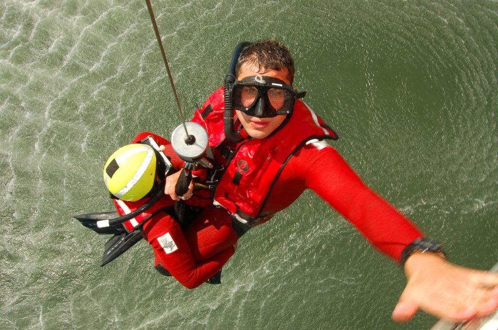 rescue-642561_1280